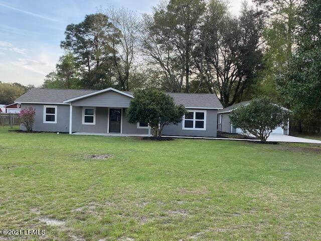 4354 Pinewood Circle, Beaufort, SC 29906 (MLS #170506) :: Shae Chambers Helms   Keller Williams Realty