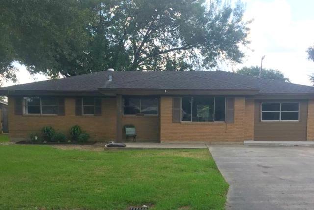 2706 Hampton Ln, Port Neches, TX 77651 (MLS #197331) :: TEAM Dayna Simmons