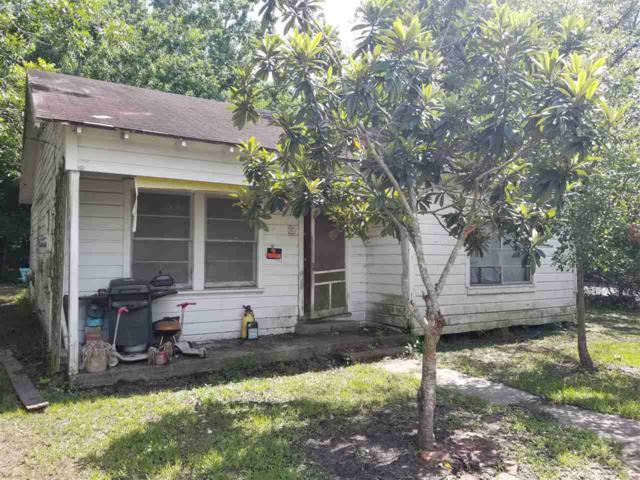1805 Crockett St., West Orange, TX 77630 (MLS #197503) :: TEAM Dayna Simmons