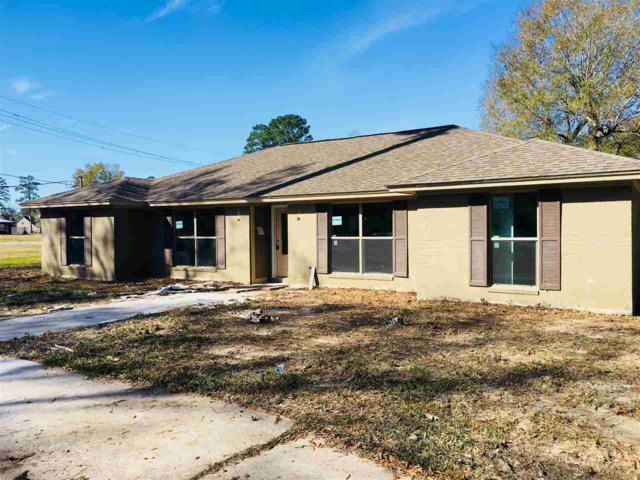 1206 E Pineshadows, Sour Lake, TX 77659 (MLS #200384) :: TEAM Dayna Simmons