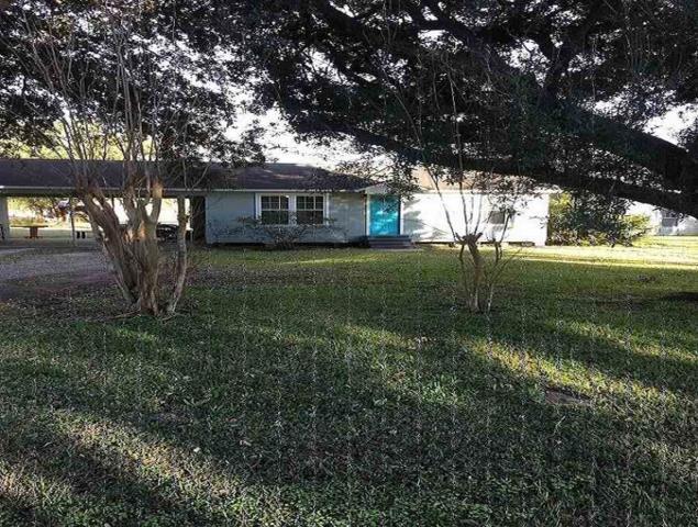 1595 Wescalder, Beaumont, TX 77707 (MLS #201111) :: TEAM Dayna Simmons