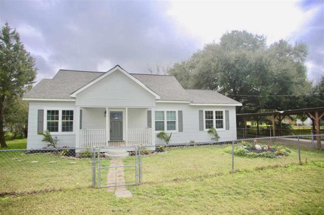 320 Pine Street, Port Neches, TX 77651 (MLS #203096) :: TEAM Dayna Simmons