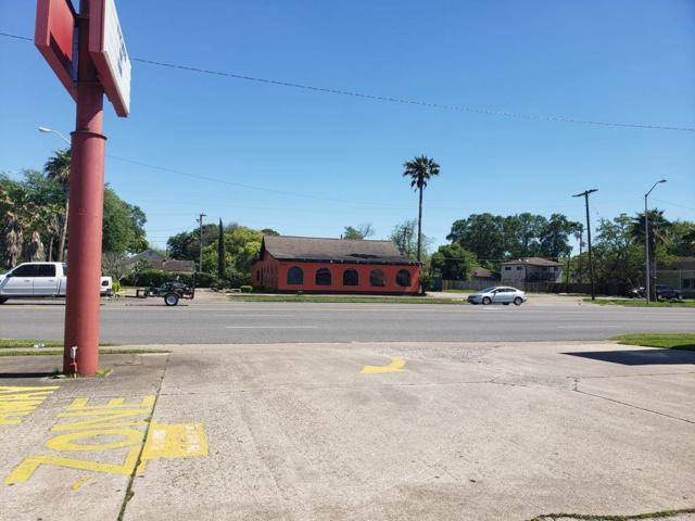 4040 Gulfway Dr, Port Arthur, TX 77642 (MLS #203414) :: TEAM Dayna Simmons