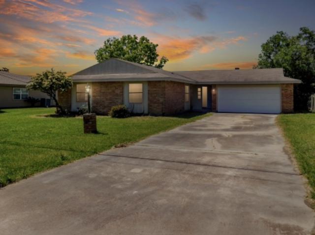1239 Main Ave, Port Arthur, TX 77642 (MLS #203689) :: TEAM Dayna Simmons