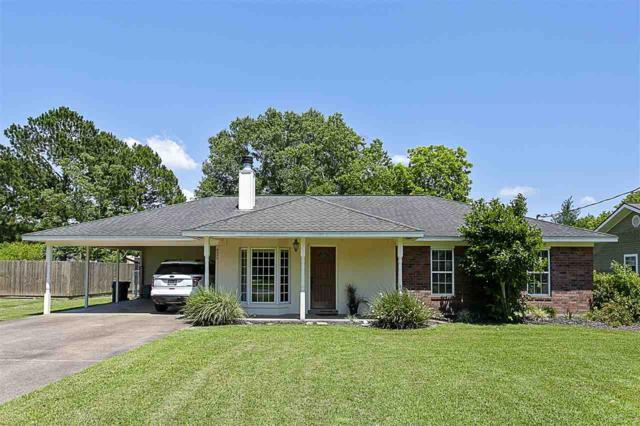 920 Sunnyside Dr, Bridge City, TX 77611 (MLS #204266) :: TEAM Dayna Simmons