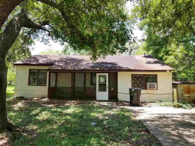 5749 Alabama, Groves, TX 77619 (MLS #205096) :: TEAM Dayna Simmons