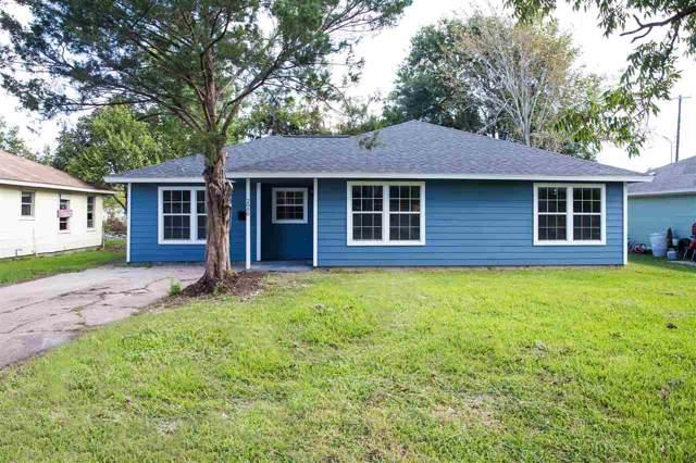 2000 Ray Ave, Groves, TX 77619 (MLS #207817) :: TEAM Dayna Simmons