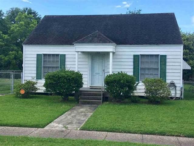 1355 Edwin, Beaumont, TX 77705 (MLS #207991) :: TEAM Dayna Simmons