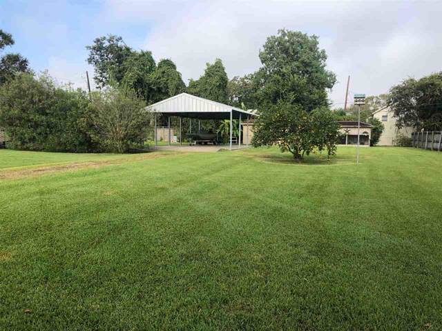 2326 9th St, Port Neches, TX 77651 (MLS #208159) :: TEAM Dayna Simmons