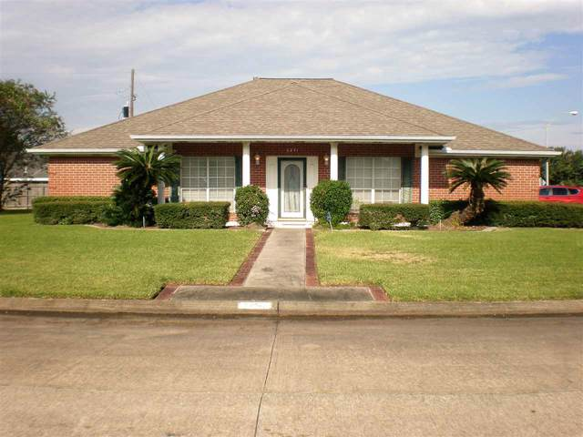 6841 Cambria Ln, Groves, TX 77619 (MLS #208180) :: TEAM Dayna Simmons