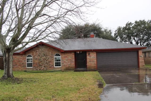 2411 Little John Ln, Groves, TX 77619 (MLS #209725) :: TEAM Dayna Simmons