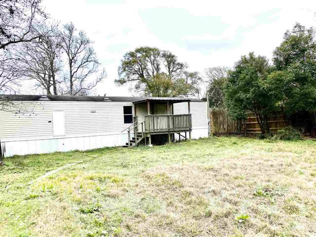 327 Devillier, Bridge City, TX 77611 (MLS #209913) :: TEAM Dayna Simmons