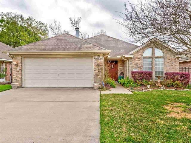 2061 Oak Terrace, Port Neches, TX 77651 (MLS #210945) :: TEAM Dayna Simmons