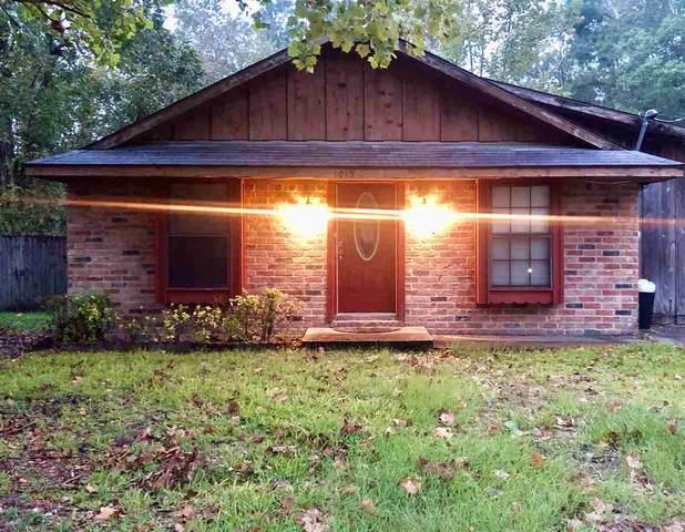 1015 Woodrow, Silsbee, TX 77656 (MLS #215052) :: TEAM Dayna Simmons