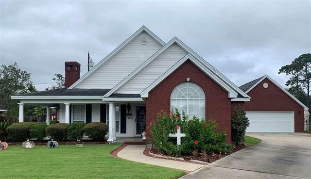 7051 Oakdale Dr., Groves, TX 77619 (MLS #215095) :: TEAM Dayna Simmons