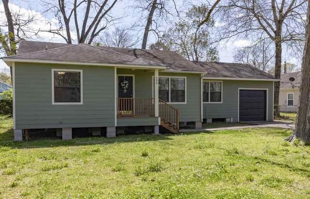 385 W Smith, Sour Lake, TX 77659 (MLS #218680) :: TEAM Dayna Simmons
