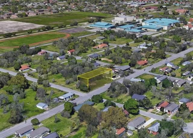 1241 W 9TH ST, Port Arthur, TX 77640 (MLS #220035) :: Triangle Real Estate
