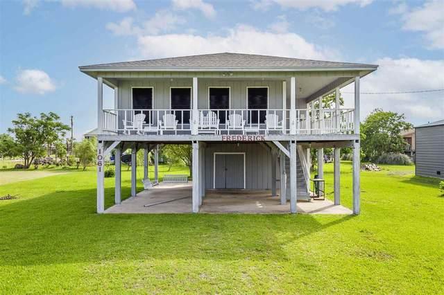 1061 N. Selwyn, Crystal Beach, TX 77650 (MLS #220228) :: TEAM Dayna Simmons