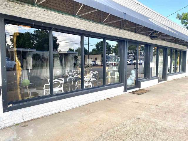 4242 Lincoln Ave, Groves, TX 77642 (MLS #220326) :: Triangle Real Estate