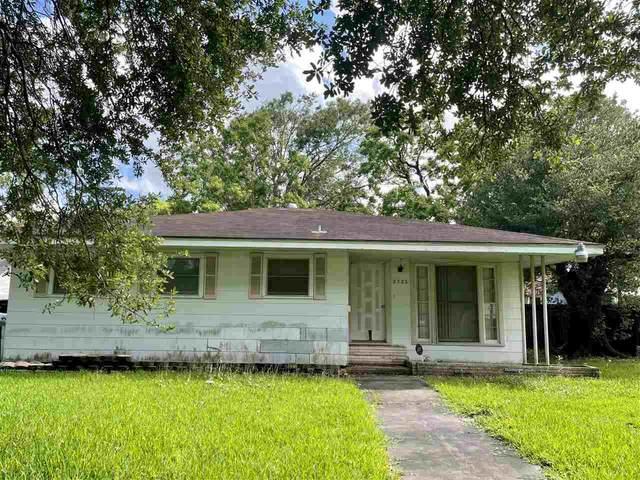 2325 Oaklawn, Port Arthur, TX 77642 (MLS #220490) :: TEAM Dayna Simmons