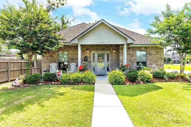1613 Dallas St, Port Neches, TX 77651 (MLS #220567) :: TEAM Dayna Simmons