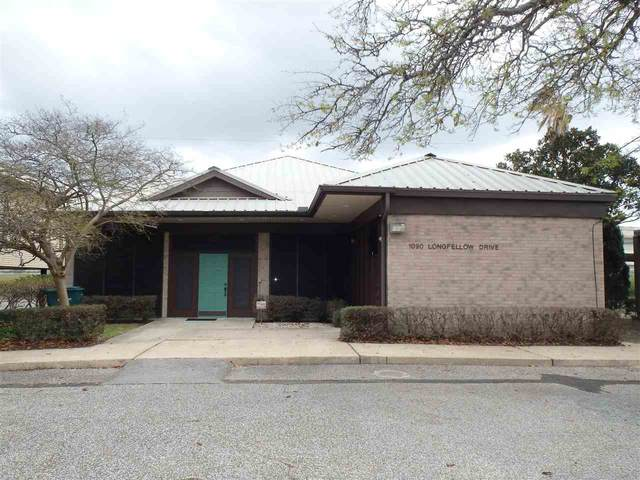 1090 Longfellow Dr, Beaumont, TX 77706 (MLS #220765) :: Triangle Real Estate