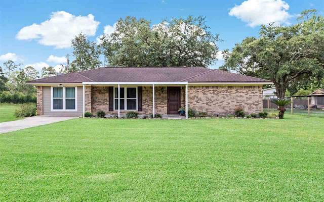 188 County Road 742, Buna, TX 77612 (MLS #221186) :: TEAM Dayna Simmons
