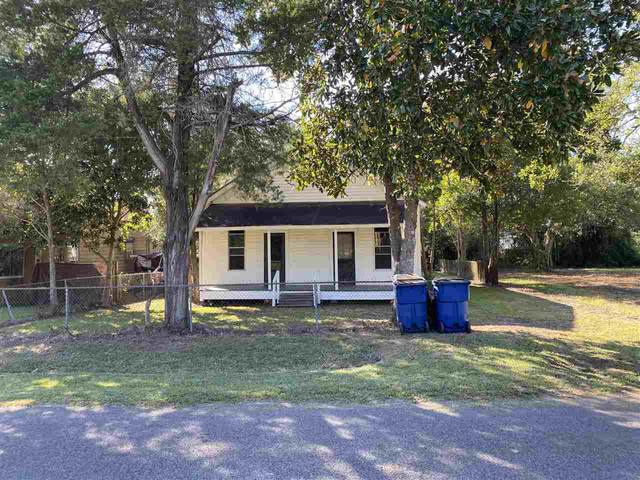 935 Railroad, Silsbee, TX 77656 (MLS #223297) :: TEAM Dayna Simmons