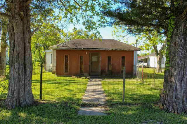 2213 Western Ave., West Orange, TX 77630 (MLS #203424) :: TEAM Dayna Simmons