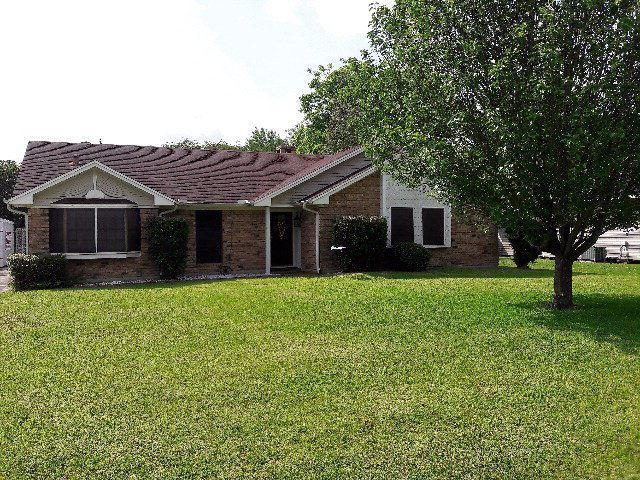 2507 8th St, Port Neches, TX 77651 (MLS #189208) :: RE/MAX ONE