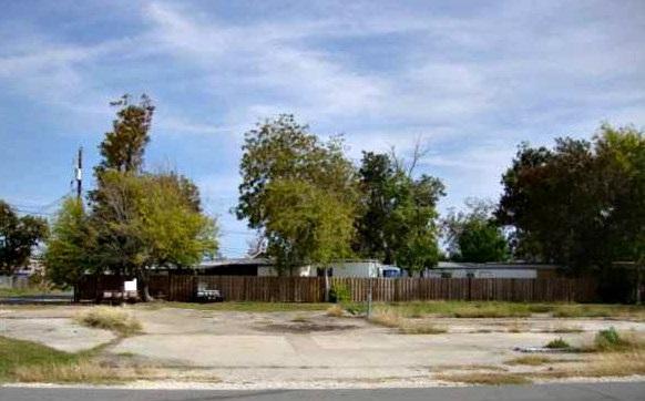 4248 Main Ave, Groves, TX 77619 (MLS #193432) :: TEAM Dayna Simmons
