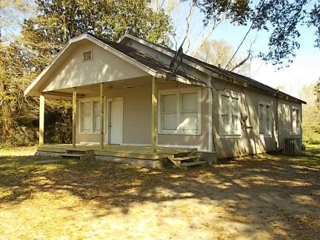 765 Azalea, Vidor, TX 77662 (MLS #194547) :: TEAM Dayna Simmons