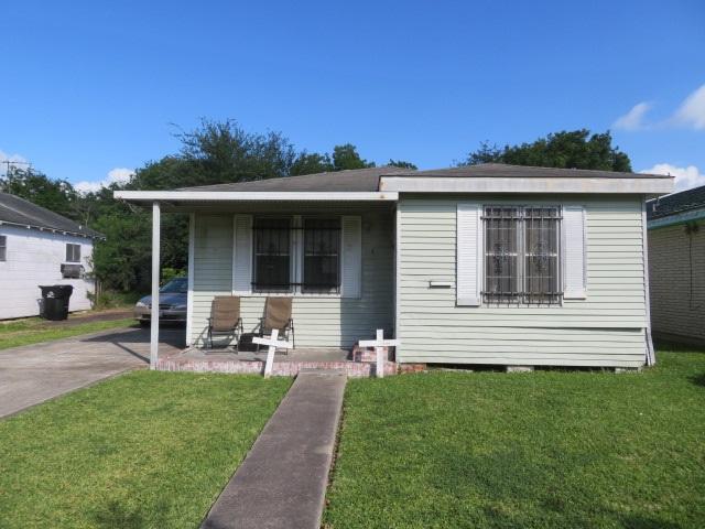 1209 W 5th Street, Port Arthur, TX 77640 (MLS #195725) :: TEAM Dayna Simmons