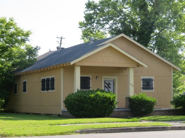 908 Stilwell, Port Arthur, TX 77640 (MLS #195729) :: TEAM Dayna Simmons