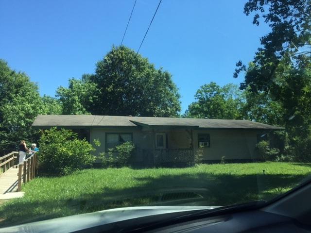 2808 Pinepark, Silsbee, TX 77656 (MLS #196318) :: TEAM Dayna Simmons