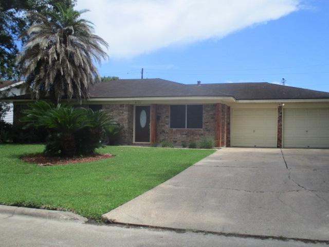 8725 Overhill Lane, Beaumont, TX 77707 (MLS #196605) :: TEAM Dayna Simmons