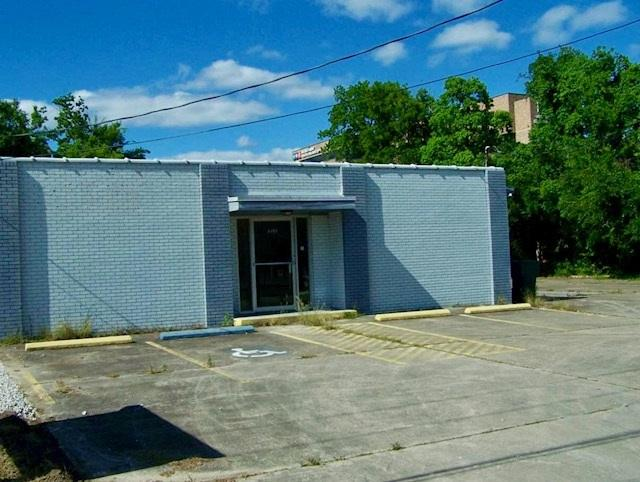 3120 North St, Beaumont, TX 77701 (MLS #197422) :: TEAM Dayna Simmons