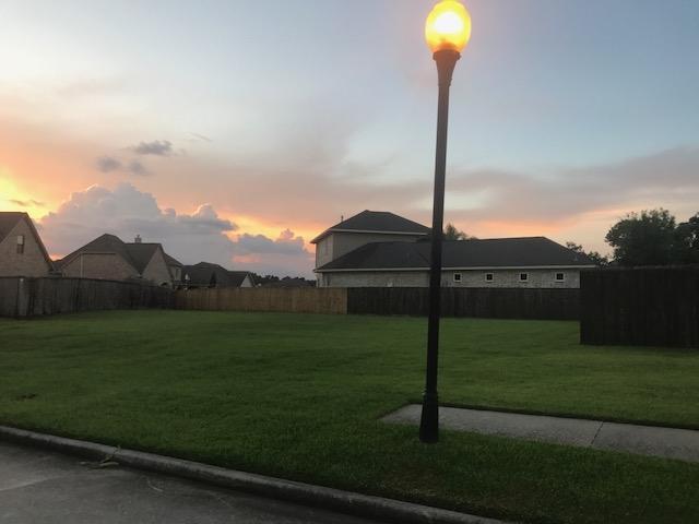 1718 Douglas, Port Neches, TX 77651 (MLS #198092) :: TEAM Dayna Simmons