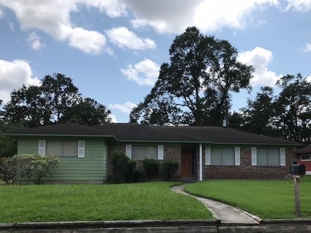 2111 Live Oak, Orange, TX 77630 (MLS #198307) :: TEAM Dayna Simmons