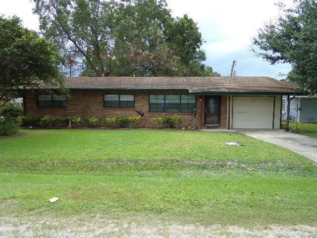 230 N Clover, Bridge City, TX 77611 (MLS #198618) :: TEAM Dayna Simmons