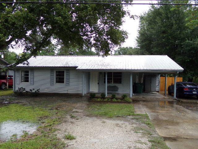 5618 Meeks Dr., Orange, TX 77630 (MLS #198620) :: TEAM Dayna Simmons