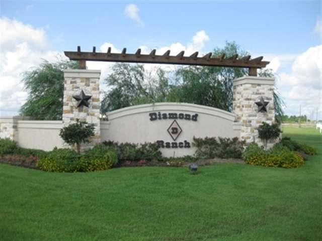 14975 Michelle Lane, Beaumont, TX 77713 (MLS #198657) :: TEAM Dayna Simmons