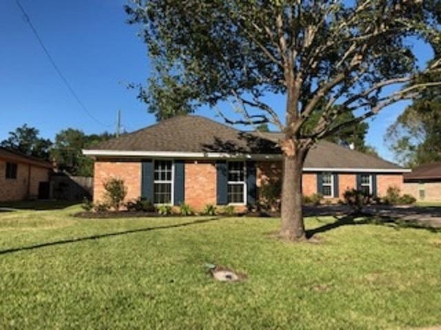 7910 Shire Ln, Beaumont, TX 77706 (MLS #200145) :: TEAM Dayna Simmons
