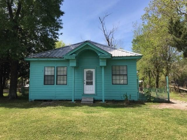 2705 Cable, Beaumont, TX 77703 (MLS #202758) :: TEAM Dayna Simmons
