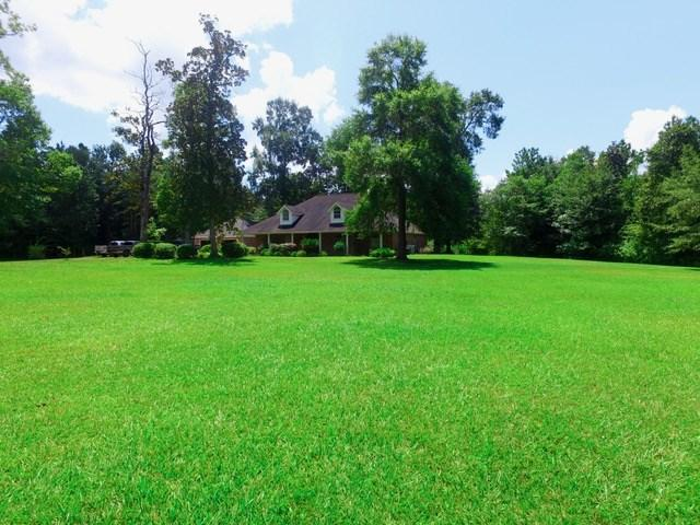 320 Magnolia Trail, Silsbee, TX 77656 (MLS #203145) :: TEAM Dayna Simmons