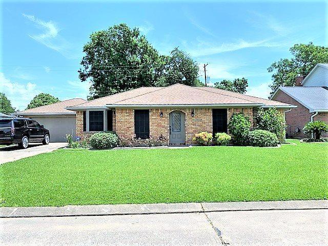 4020 Milo Ave, Groves, TX 77619 (MLS #205071) :: TEAM Dayna Simmons