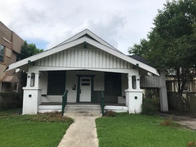 1850 Broadway St, Beaumont, TX 77701 (MLS #205181) :: TEAM Dayna Simmons