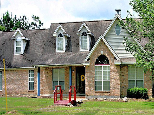 912 County Road 715, Buna, TX 77612 (MLS #206229) :: TEAM Dayna Simmons