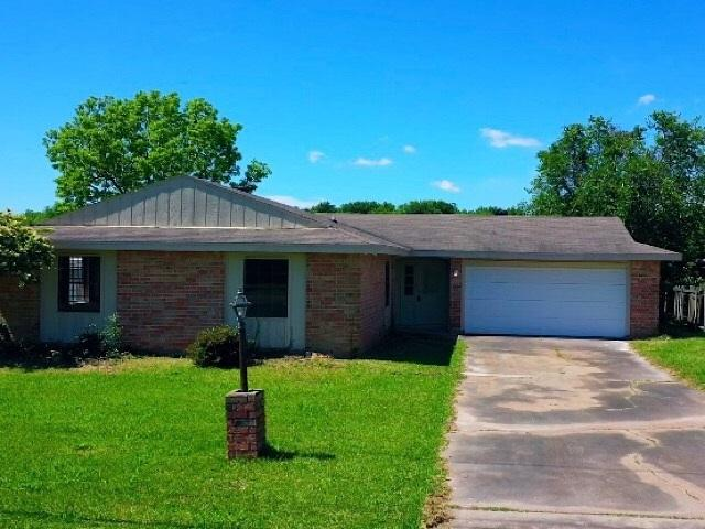 1239 Main Ave, Port Arthur, TX 77642 (MLS #206445) :: TEAM Dayna Simmons