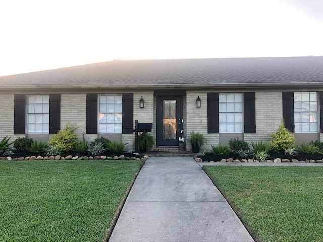 2746 S Kitchen, Port Neches, TX 77651 (MLS #207746) :: TEAM Dayna Simmons